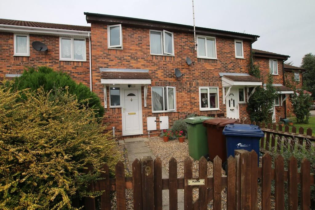 2 Bedrooms Terraced House for sale in Grenadiers Drive, Chatteris