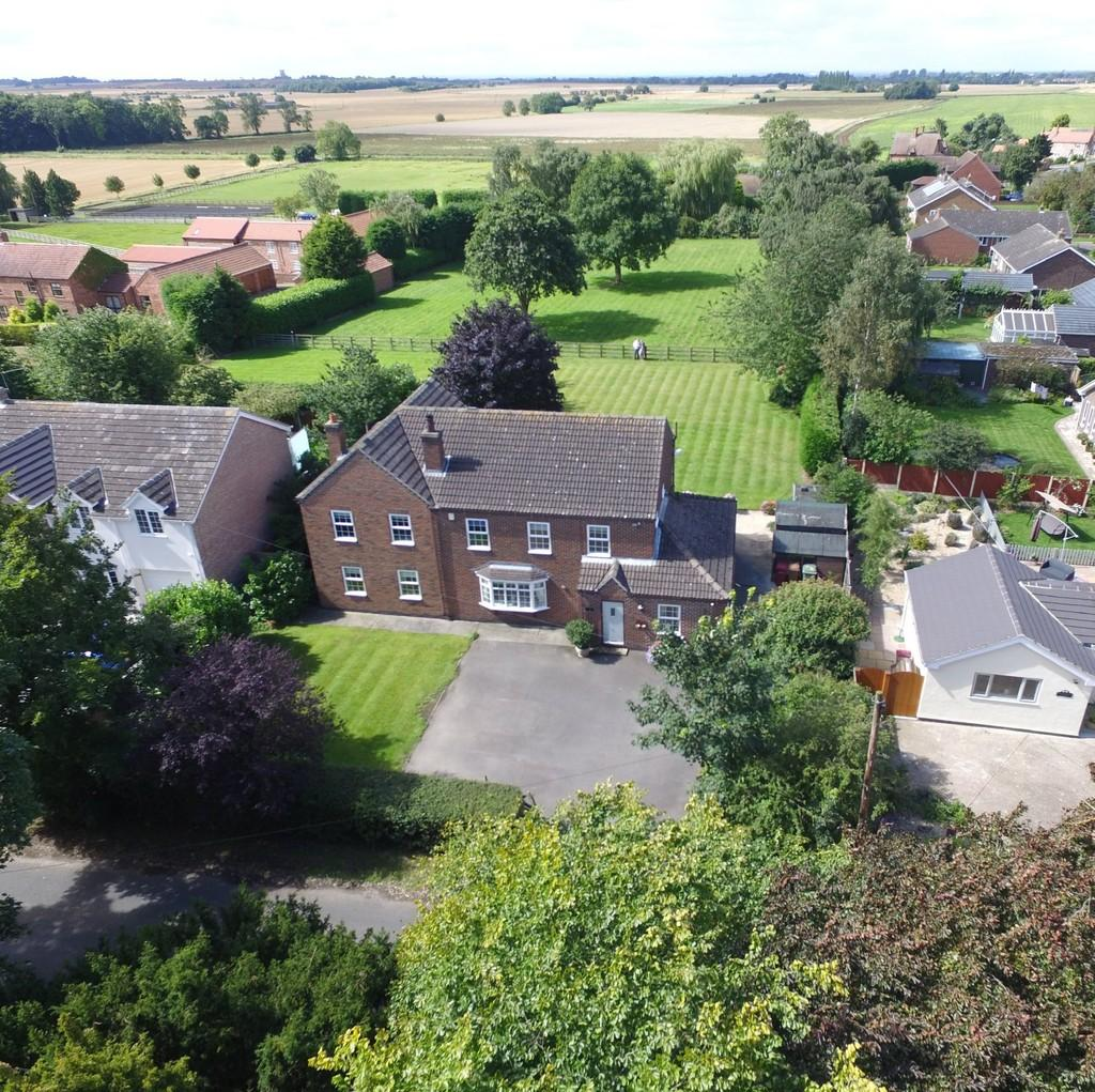 4 Bedrooms Detached House for sale in West Butterwick Road, Beltoft