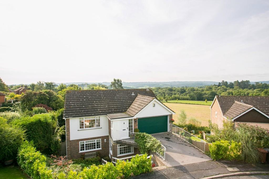 4 Bedrooms Detached House for sale in Richmead Gardens, Mayfield