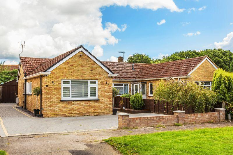3 Bedrooms Semi Detached Bungalow for sale in Jacobs Well