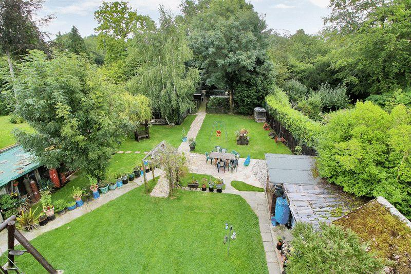 4 Bedrooms Detached House for sale in Brighton Road, Shermanbury