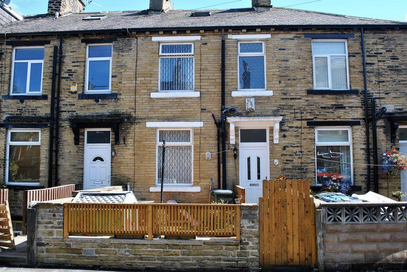 1 Bedroom Terraced House for sale in Wellington Street, Allerton, BD15.