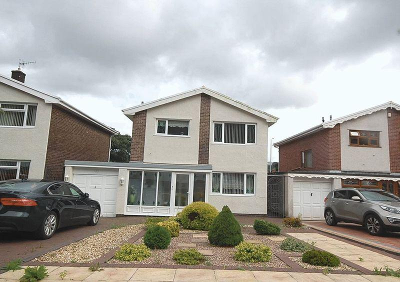 3 Bedrooms Detached House for sale in 3 Woodlands Park Drive, Cadoxton, Neath, SA10 8DE