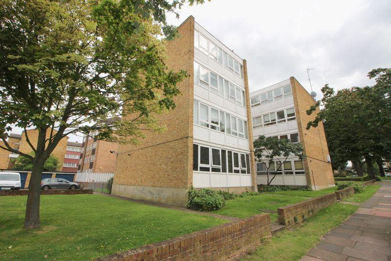 2 Bedrooms Flat for sale in Main Road, Sidcup, DA14 6NJ