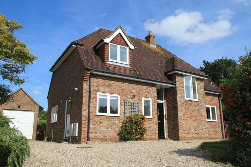 4 Bedrooms Detached House for sale in Bridge Down, Canterbury