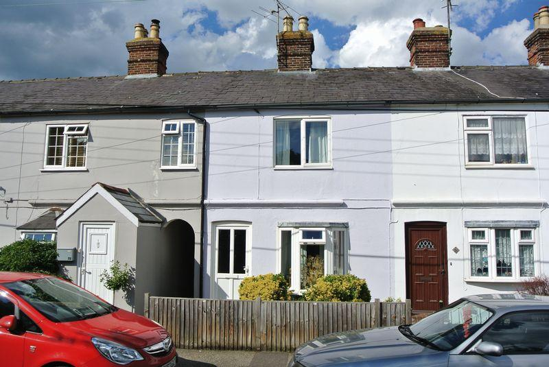 3 Bedrooms Terraced House for sale in Shalmsford Street, Chartham