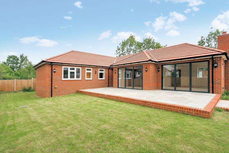 3 Bedrooms Detached Bungalow for sale in Woodmere Close, Shirley