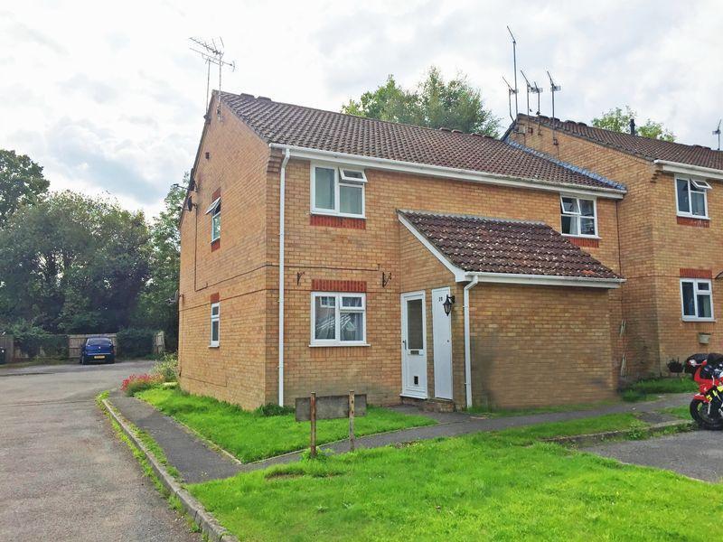 1 Bedroom Apartment Flat for sale in Cedar Way, Haywards Heath