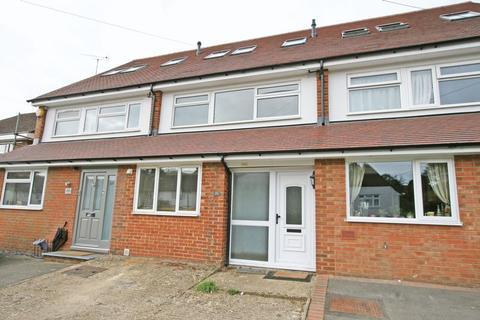 4 bedroom terraced house to rent - Berwick Road, Marlow