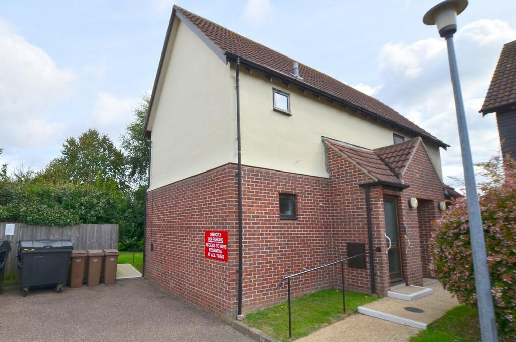 2 Bedrooms Maisonette Flat for sale in Bader Court, Martlesham Heath IP5 3UY