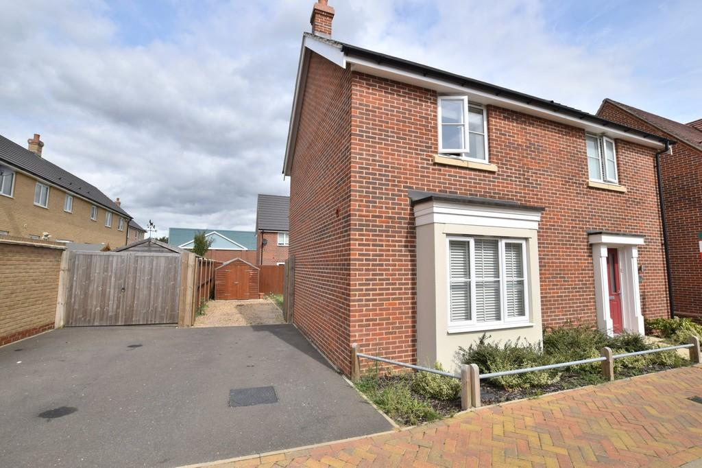 3 Bedrooms Detached House for sale in Saw Mill Road, Colchester, CO1 2ZL