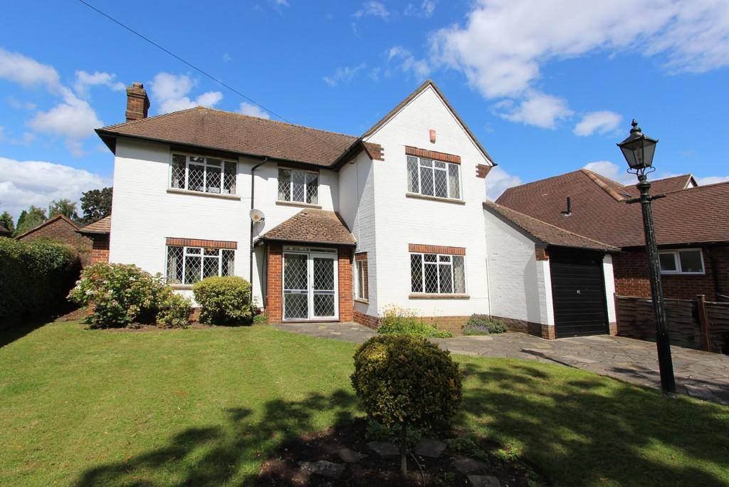 3 Bedrooms Detached House for sale in Cunningham Road, Banstead