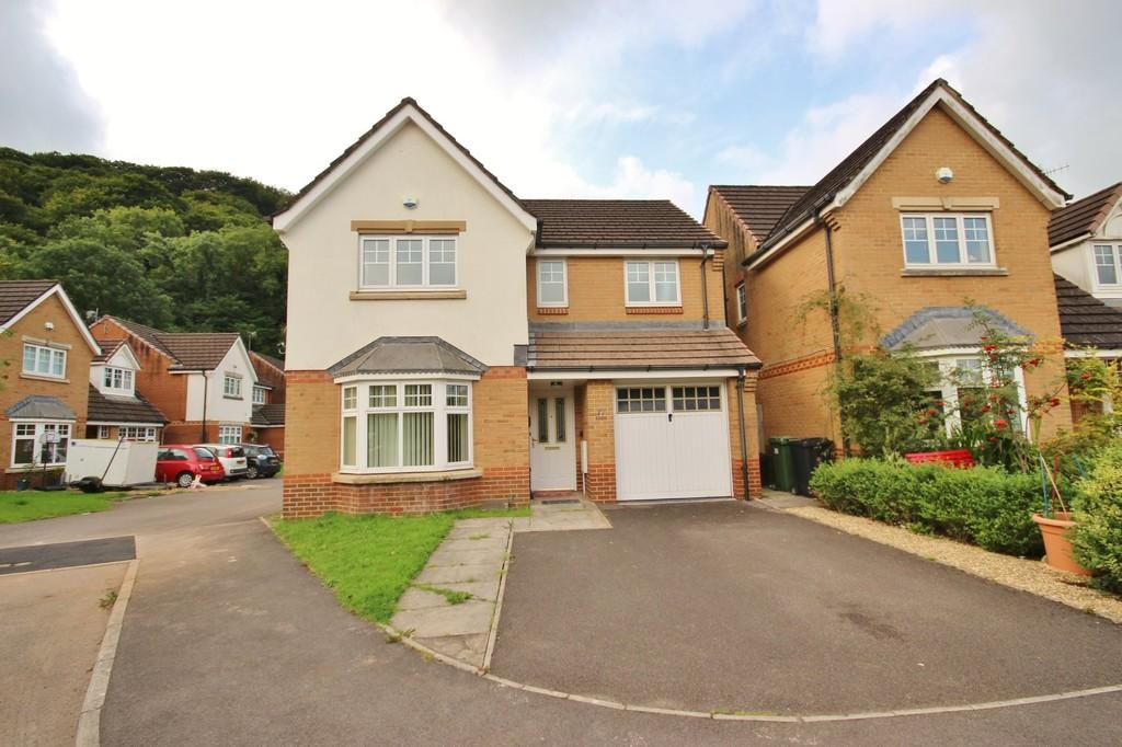 4 Bedrooms Detached House for sale in Ffordd Yr Afon, Gwaelod-y-Garth, Cardiff