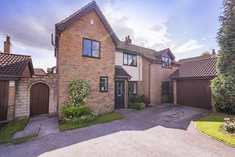 4 Bedrooms Detached House for sale in BISHOPS DRIVE, OAKWOOD