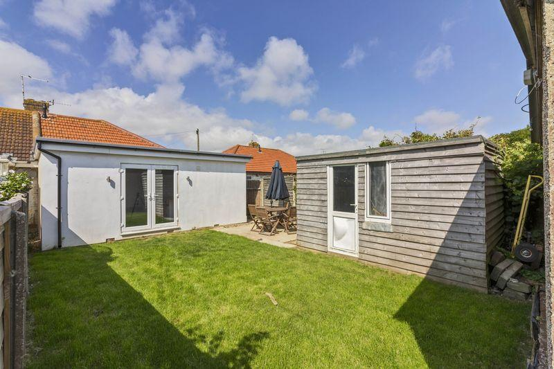 2 Bedrooms Bungalow for sale in West Way, Lancing