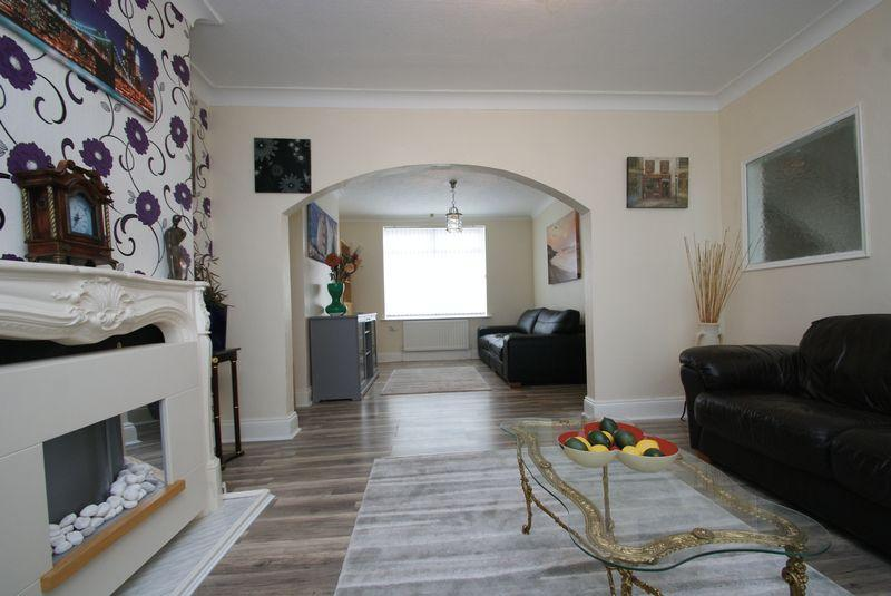 3 Bedrooms Semi Detached House for sale in Latham Road, Middlesbrough
