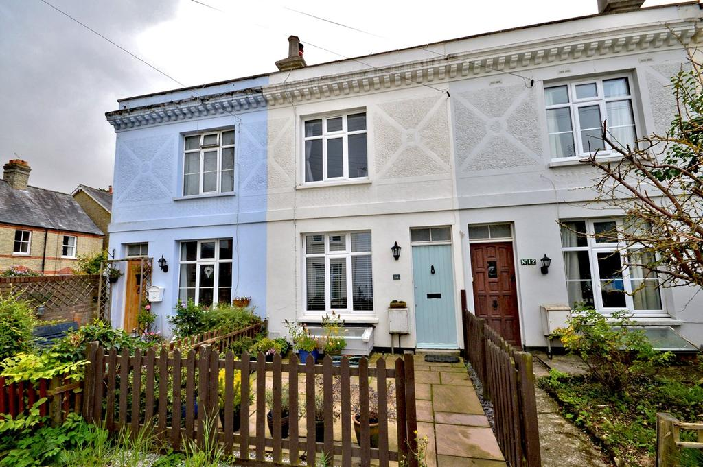 2 Bedrooms Terraced House for sale in Artisans Dwellings, Saffron Walden, CB10
