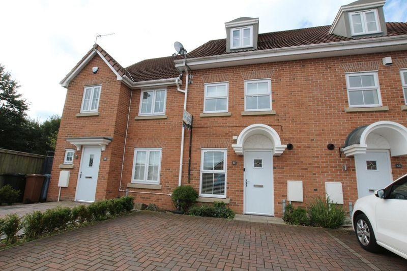 4 Bedrooms Mews House for sale in Leighton Avenue, Alkrington M24 1PJ