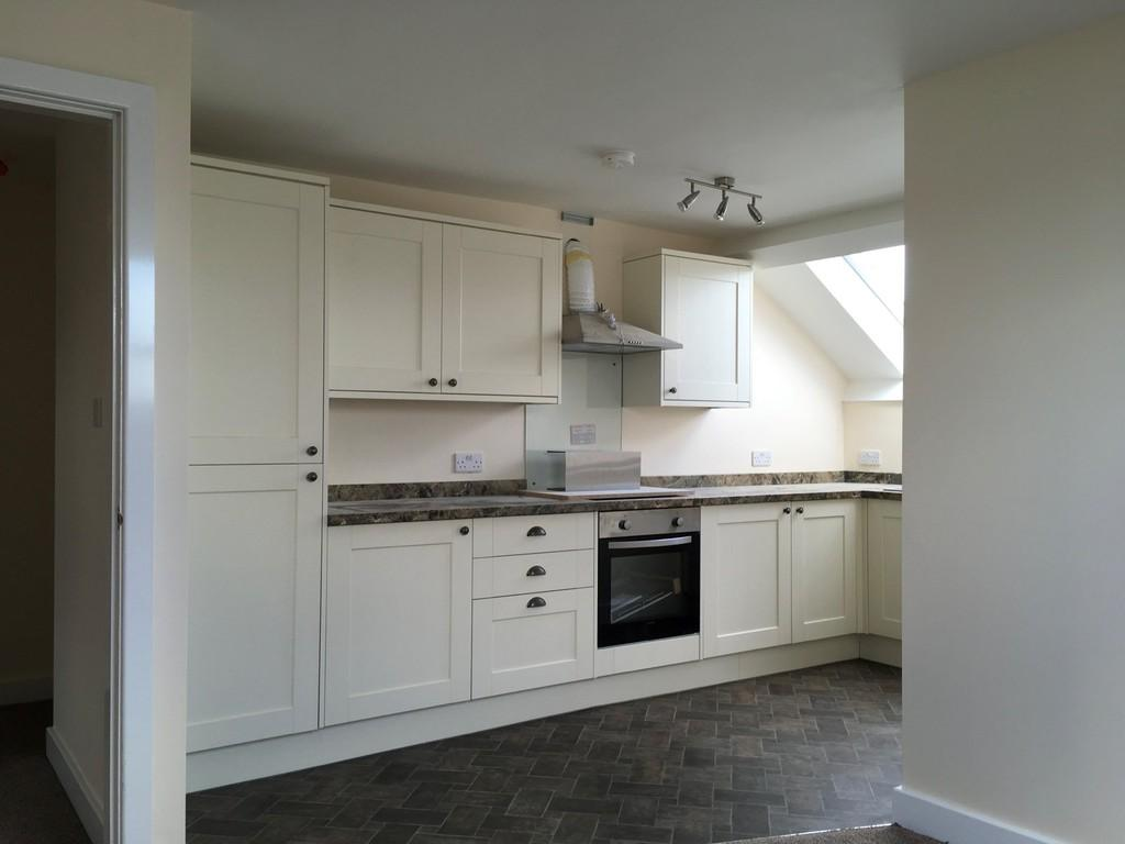 2 Bedrooms Apartment Flat for sale in Wakefield Road, Dewsbury