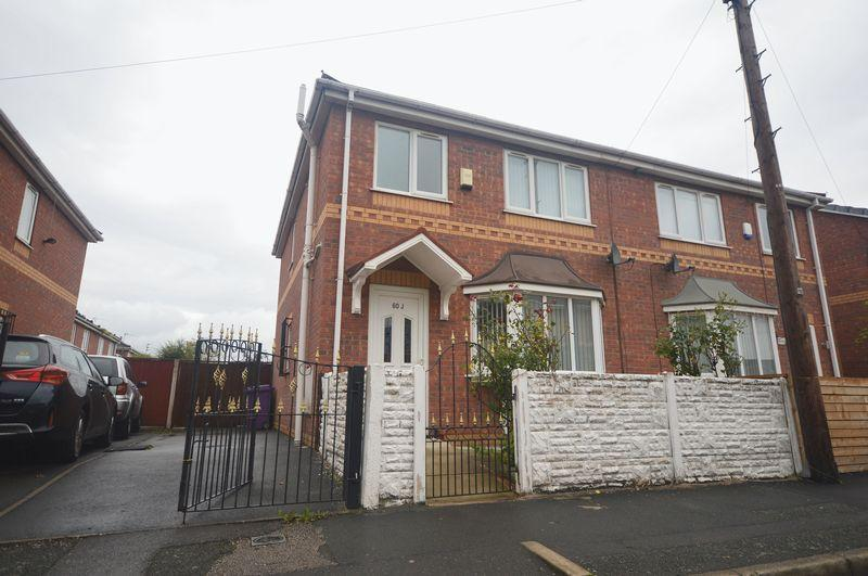 3 Bedrooms Semi Detached House for sale in Sutton Street, Stoneycroft