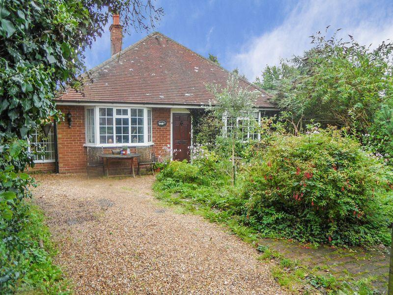 3 Bedrooms Detached Bungalow for sale in Ibstone - three bedroom detached bungalow. No onward chain