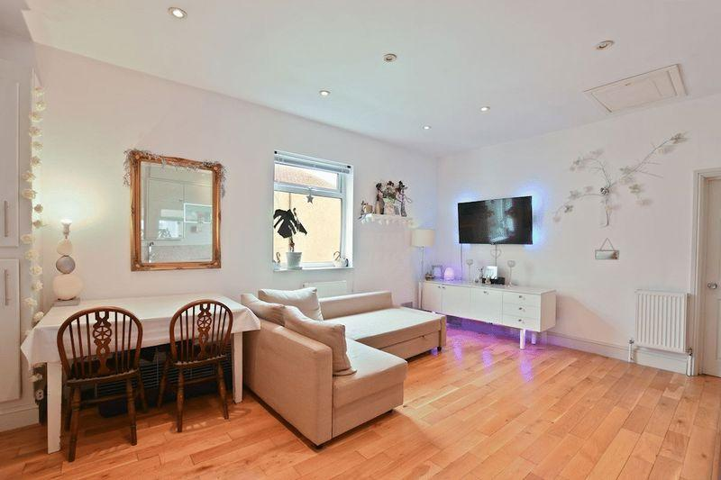 1 Bedroom Apartment Flat for sale in Meteor Road, Westcliff-On-Sea