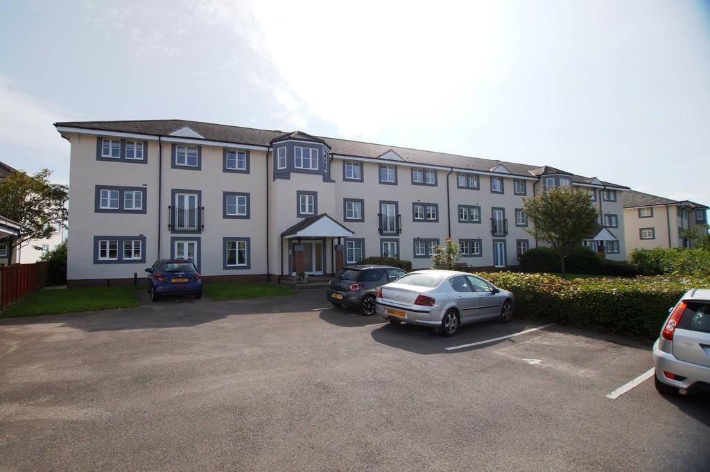 2 Bedrooms Apartment Flat for sale in Grenadier Court, Scarborough