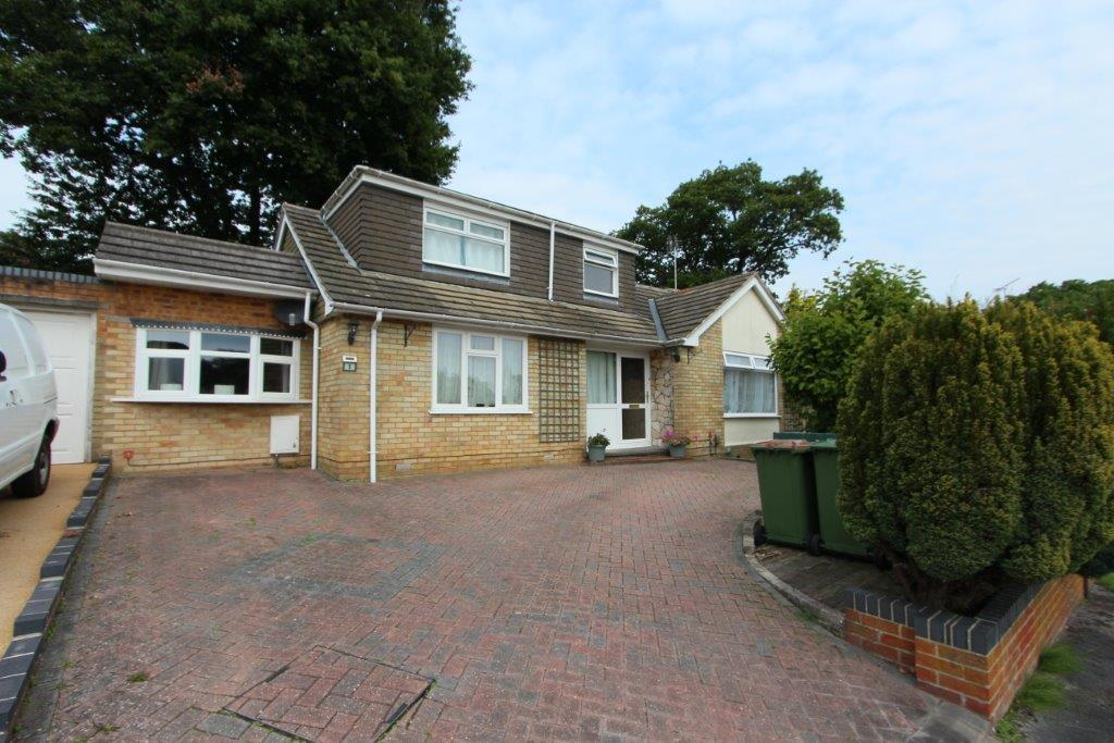 4 Bedrooms House for sale in Saxon Gardens, Hedge End SO30