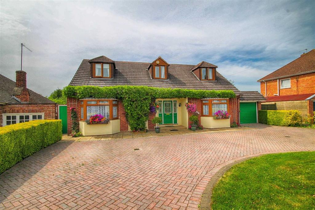 5 Bedrooms Detached House for sale in Alma Road, Hatherley, Cheltenham, GL51