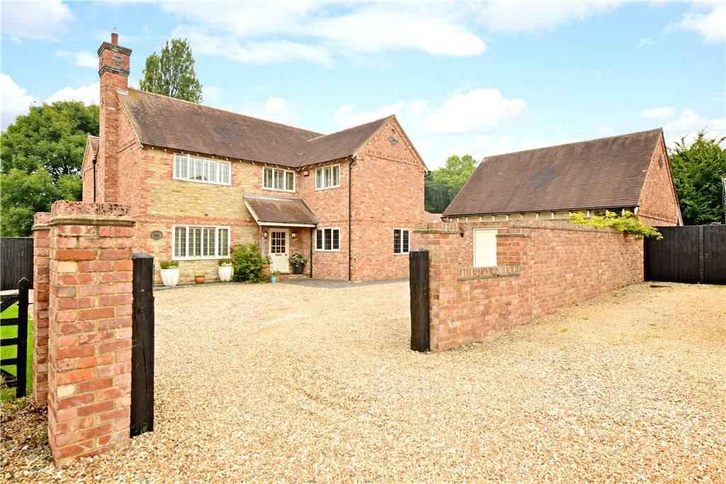 4 Bedrooms Detached House for sale in Portfields Farm, Newport Pagnell, Buckinghamshire