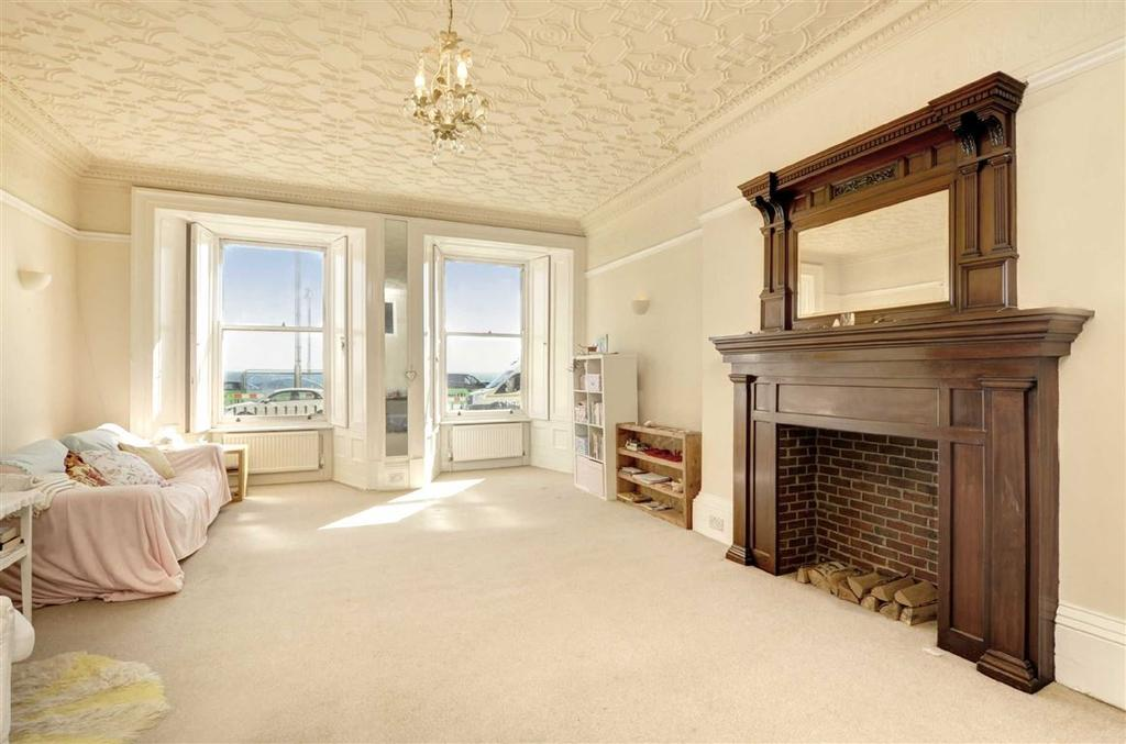 3 Bedrooms Flat for sale in Brunswick Terrace, Hove, East Sussex