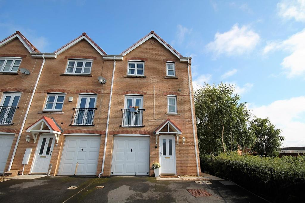 5 Bedrooms End Of Terrace House for sale in Nightingale Drive, Stockton-On-Tees