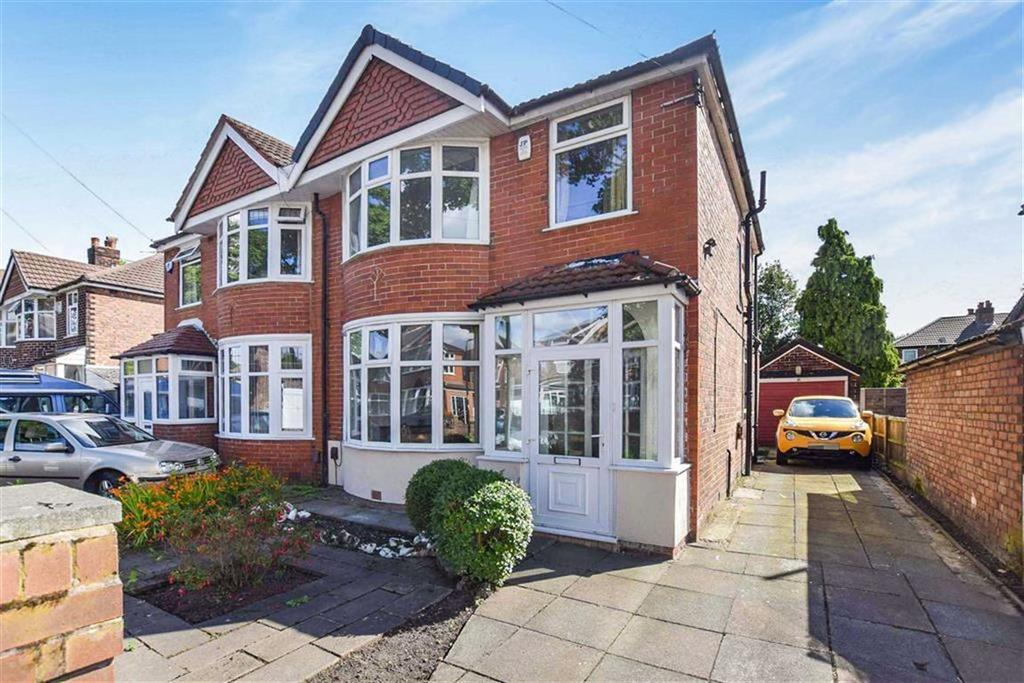 3 Bedrooms Semi Detached House for sale in Tiverton Road, Urmston, Manchester