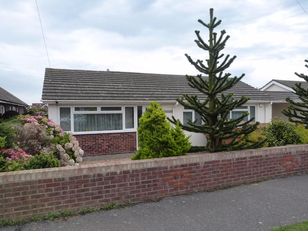 3 Bedrooms Detached Bungalow for sale in Southern Road, Selsey
