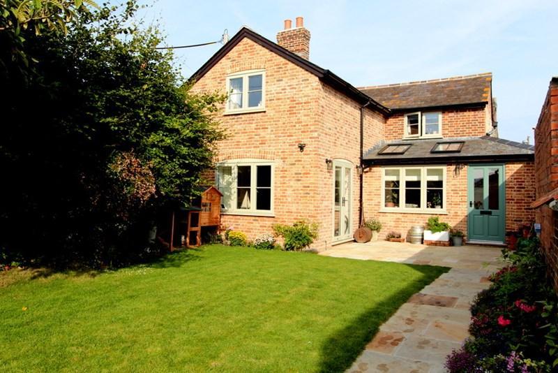 3 Bedrooms Semi Detached House for sale in Shillingstone, Dorset