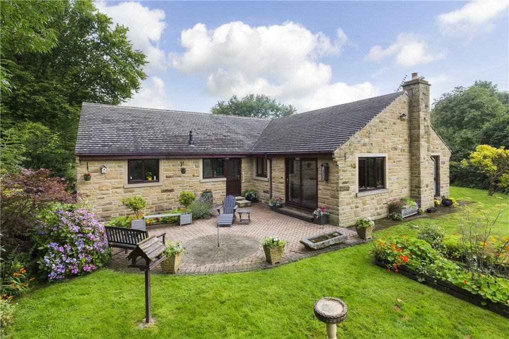 4 Bedrooms Detached Bungalow for sale in Spire Heights, Gilstead Lane, Gilstead, West Yorkshire