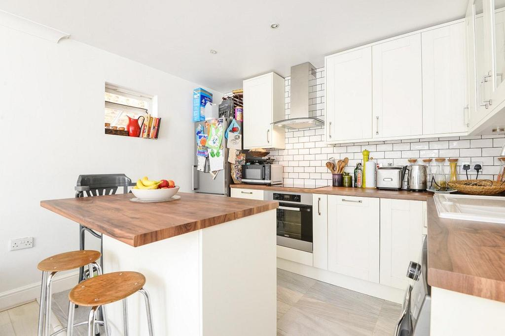 3 Bedrooms Flat for sale in Martell Road, West Dulwich
