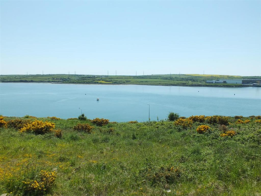Plot Commercial for sale in Pennar