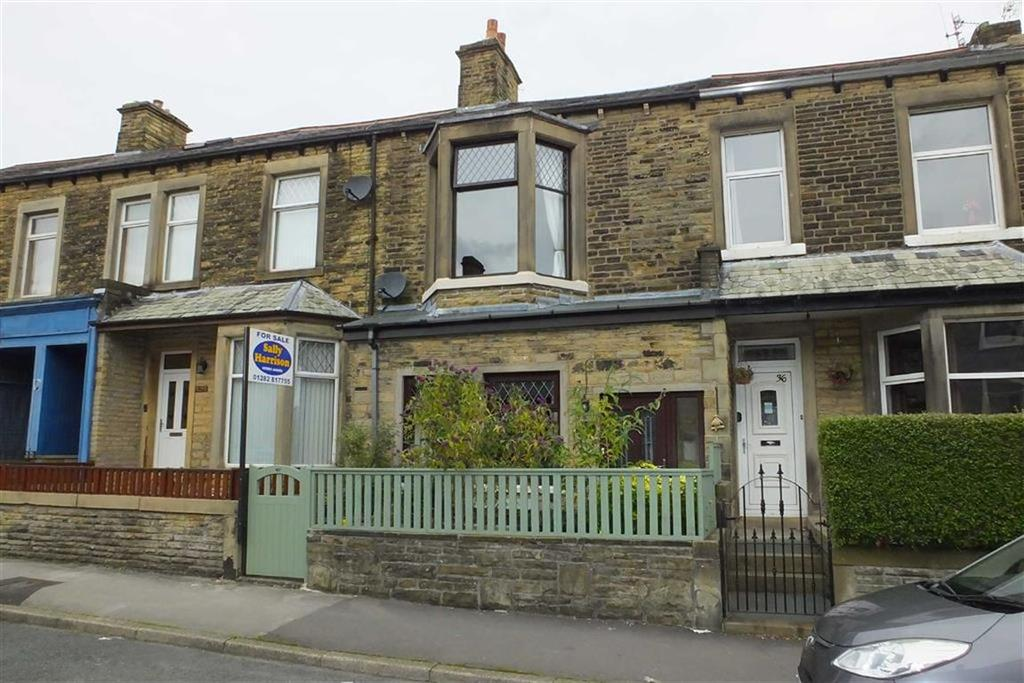 3 Bedrooms Terraced House for sale in Wellhouse Road, Barnoldswick, Lancashire, BB18
