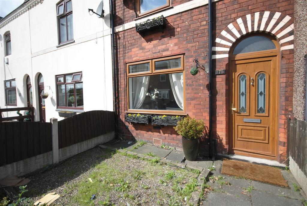 2 Bedrooms Terraced House for sale in Poolstock Lane, Poolstock, Wigan