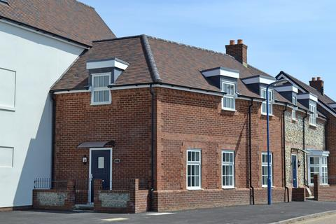 2 bedroom flat for sale - High Street, Selsey, PO20