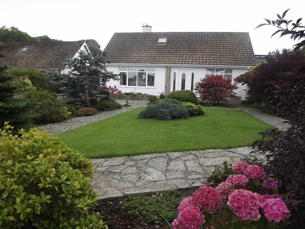 4 Bedrooms Detached Bungalow for sale in Rhianfa, Benllech, Anglesey