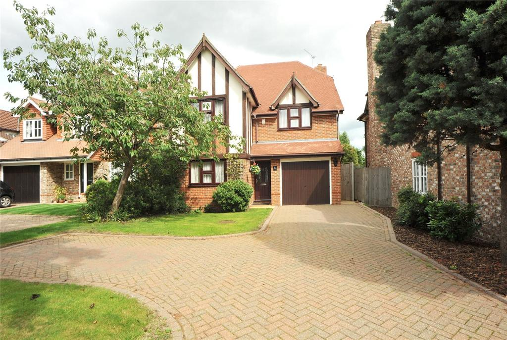 4 Bedrooms Detached House for sale in Manor Crescent, Hornchurch, RM11