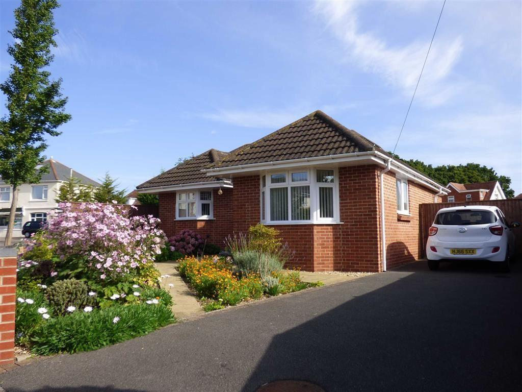2 Bedrooms Bungalow For Sale In Frensham Close Redhill Bournemouth Dorset
