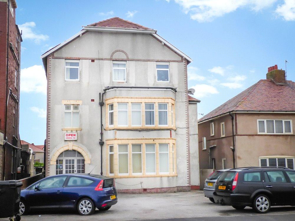 3 Bedrooms House for sale in 'Churchills', Queen's Promenade, Blackpool, Lancashire