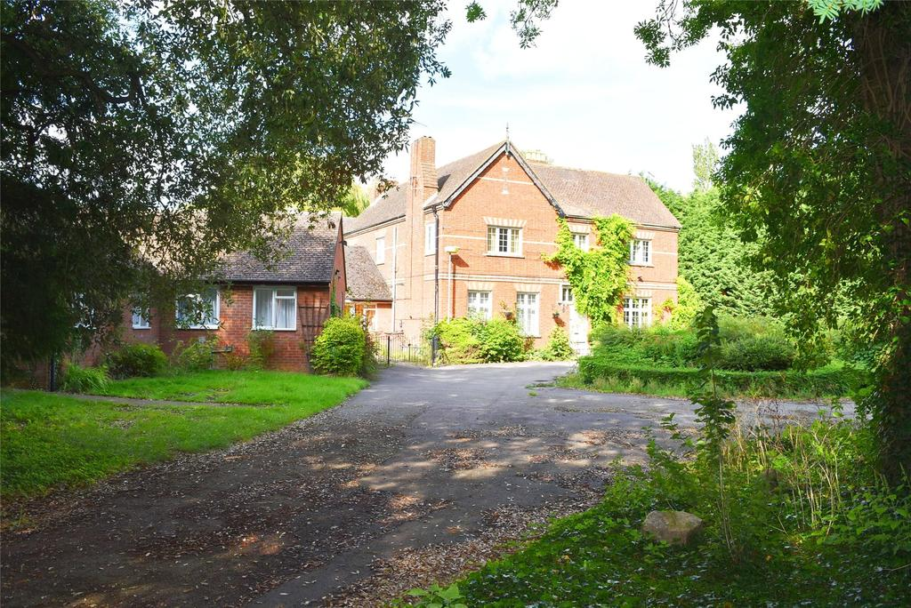 34 Bedrooms Detached House for sale in Simpson, Milton Keynes