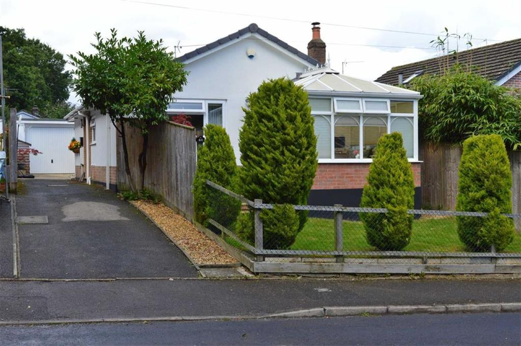 2 Bedrooms Detached Bungalow for sale in Mallard Road, Wimborne, Dorset