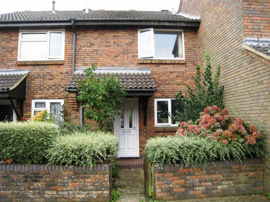 2 Bedrooms Terraced House for sale in Leigh Gardens, Wimborne, Dorset