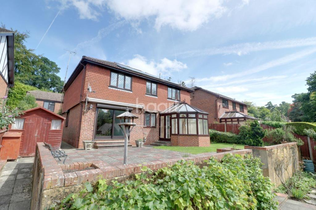 4 Bedrooms Detached House for sale in Alma Road, Headley Down, Hampshire