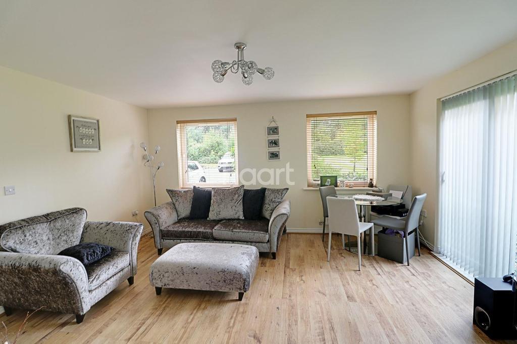 1 Bedroom Flat for sale in Eddington Crescent